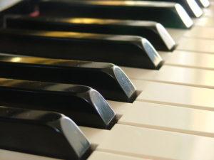 piano-keys-1424389